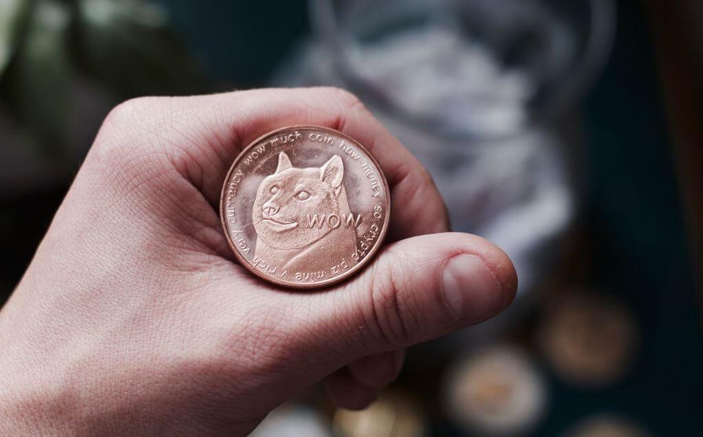Монета Догикоин